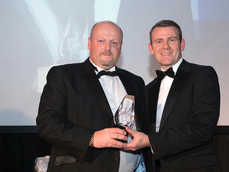 Allan presents award