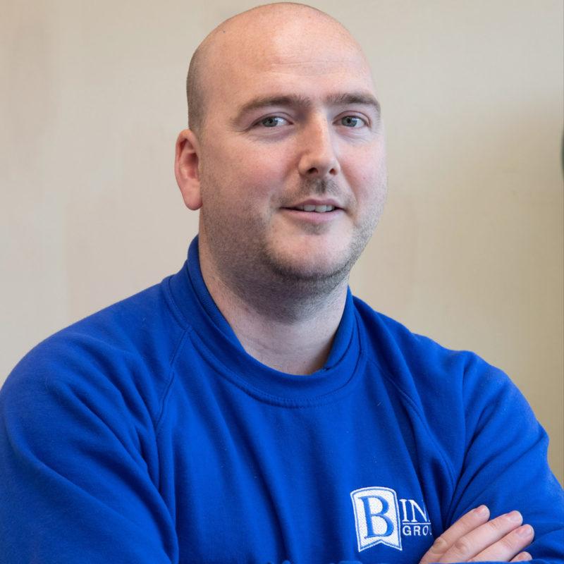 Jamie MacLeod, Binn employee